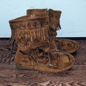 Boots - Girl Size 4